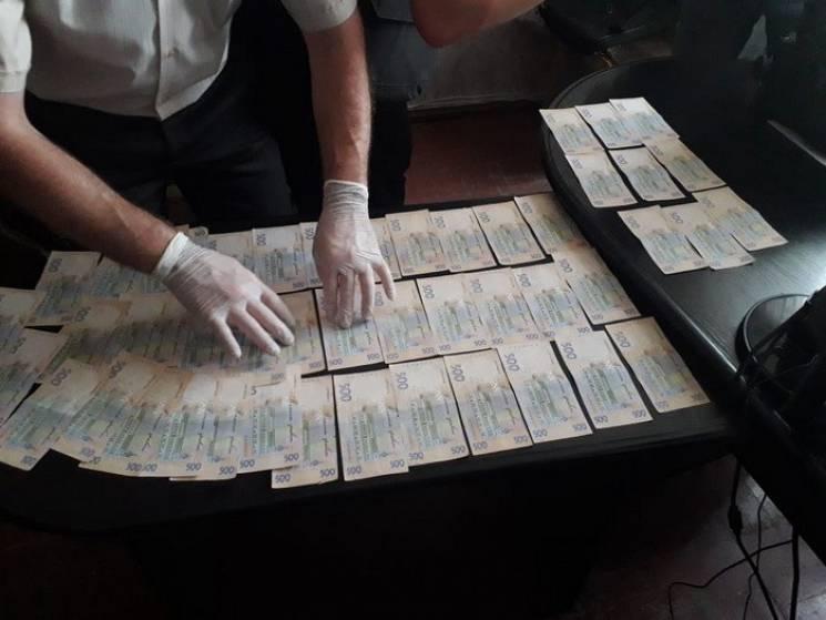 Майор поліції, якого  СБУ затримала на хабарі, працює у Знам'янському відділі