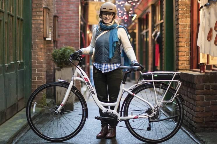 """Крути педалі: Кияни все частіше пересідають на """"залізних коней"""""""