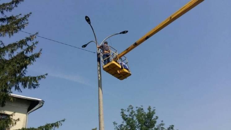 На Вінниччині біля сільської школи встановили 23 сучасні LED-ліхтарі