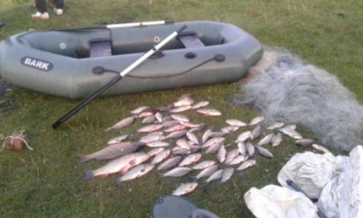На Тернопільщині хлопці займались браконьєрством