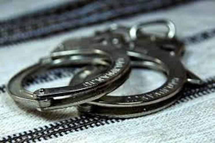 На Хмельниччині судять шахрайку-грабіжницю