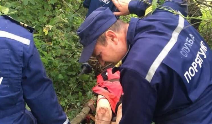 Вінницькі рятувальники знайшли в лісі безпорадного чоловіка (ФОТО)