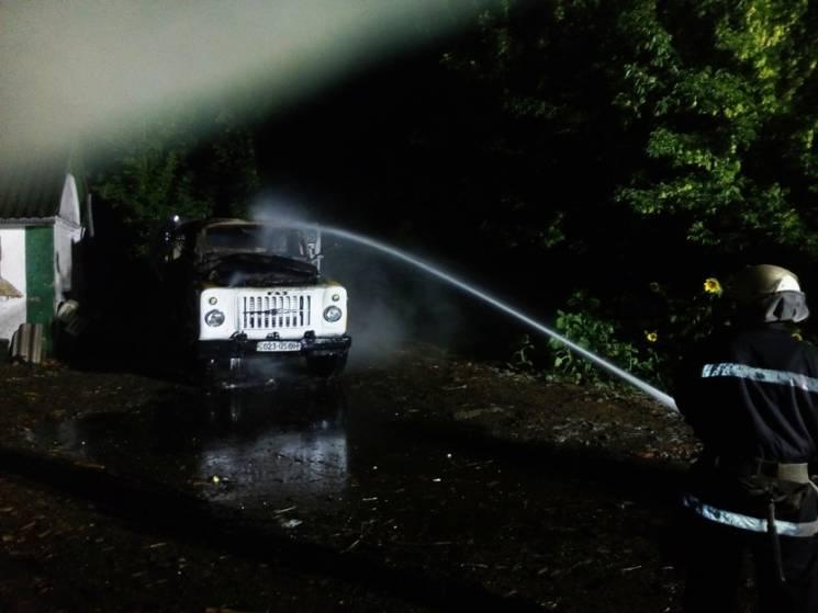 Вночі на Кропивниччині горіла вантажівка