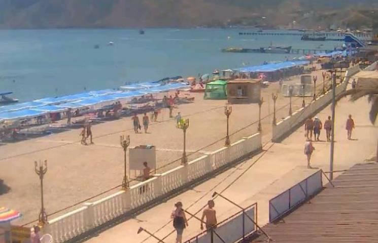 Нові веб-камери в окупованому Криму ще ясніше показали, що пляжі там пусті (ФОТО)