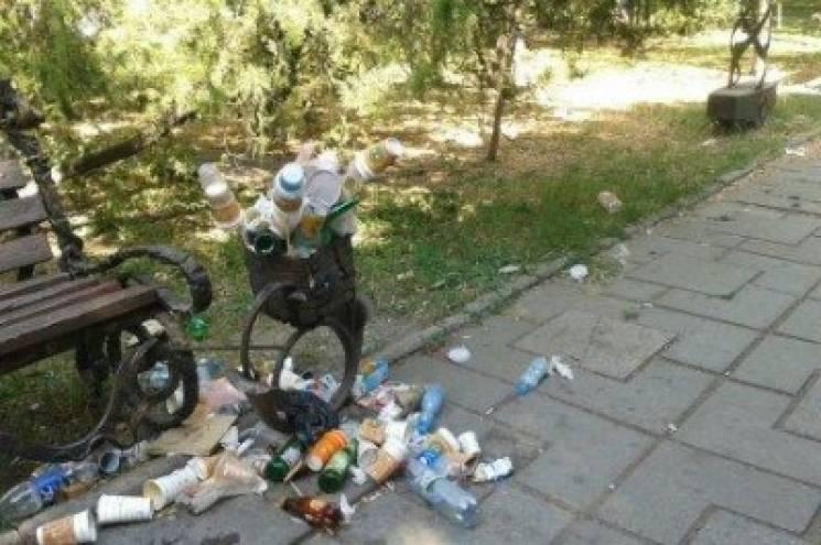 """В окупованій Євпаторії """"влада"""" рахує туристів по відходах"""