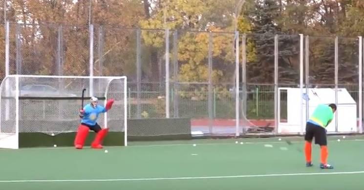 У Вінниці у хокей на траві грають навіть дівчата (ВІДЕО)