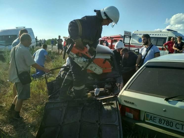 На Дніпропетровщині сталася потрійна ДТП за участю маршрутки: Один загиблий