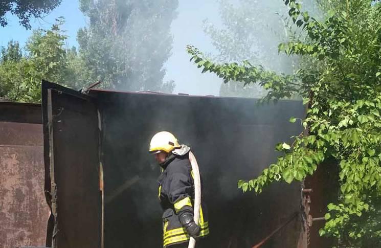 У Горішніх Плавнях рятувальники ліквідували пожежу в гаражі