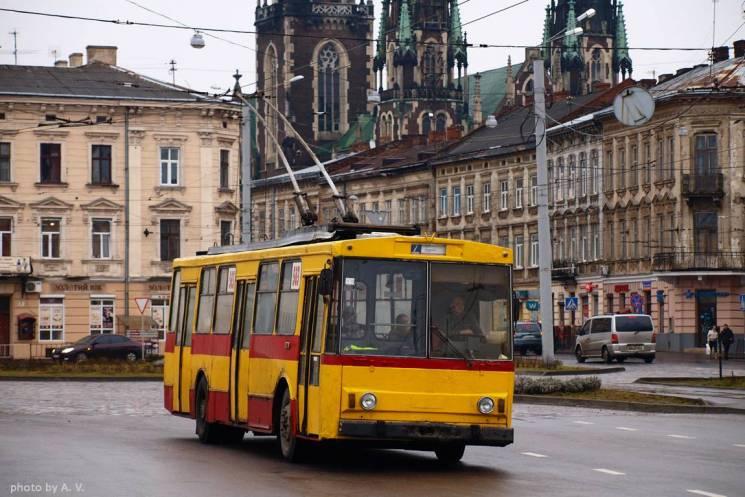 На вулицях Львова поменшає тролейбусів