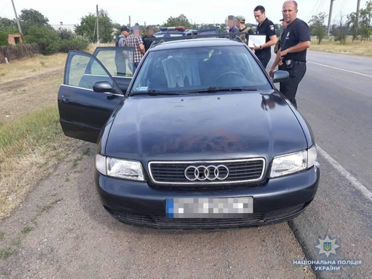 На запорізькому курорті зловмисники викрали автомобіль