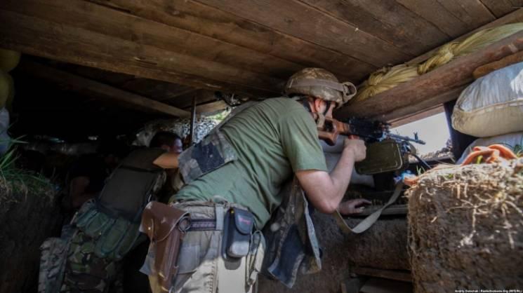 У запеклих боях на Маріупольському напрямку поранено двох бійців