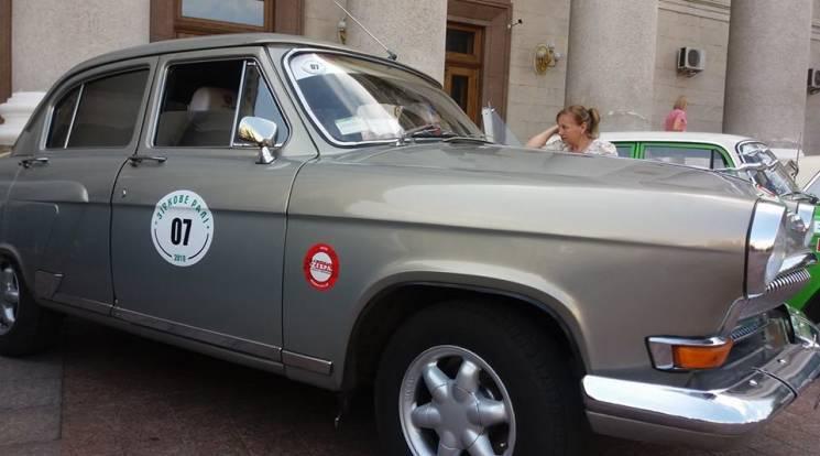 Чим у Кропивницькому ретроавтівки дивували (ФОТО)