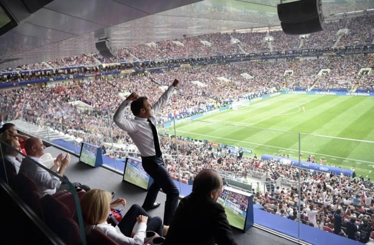 """Як """"ботоксний"""" Путін нагороджував Францію після перемоги в фіналі ЧС-2018 в Москві (ФОТОРЕПОРТАЖ)"""