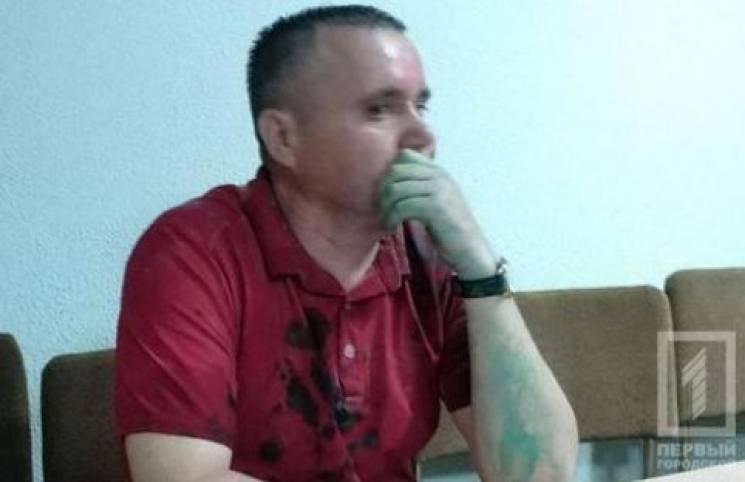 У Кривому Розі облили зеленкою депутата Дніпропетровської облради (ФОТО)