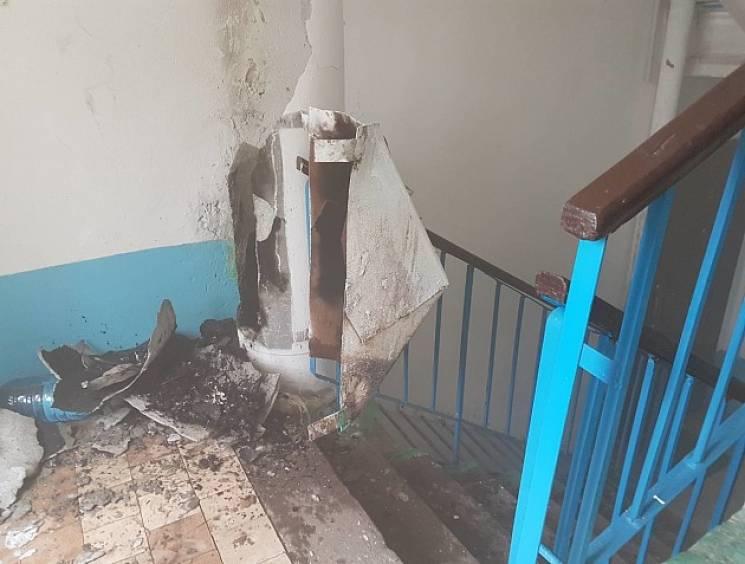 На запорізькому курорті стався вибух у багатоповерхівці (ФОТО)
