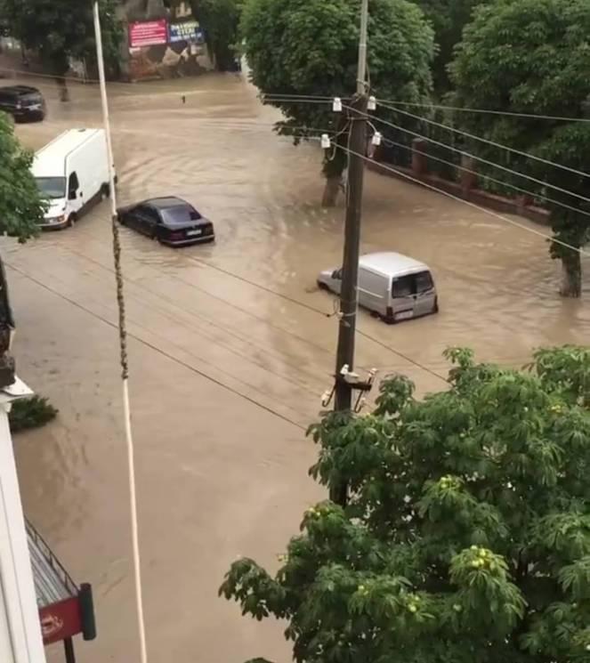 """Як """"плаває"""" містечко Чортків (ВІДЕО)"""