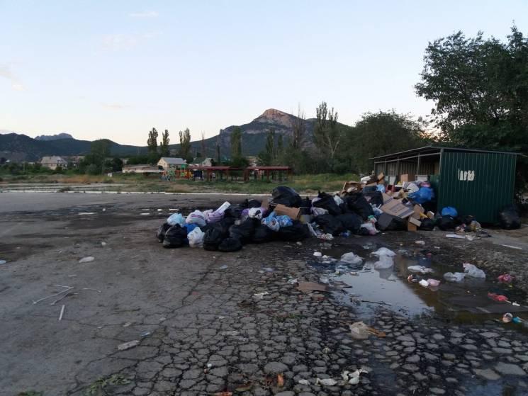 Курорти окупованого Криму завалені смітт…