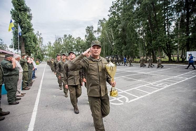 Команда військовослужбовців з охорони Хм…