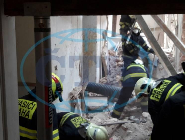 У Празі обвалився будинок: Травмовано троє закарпатських заробітчан