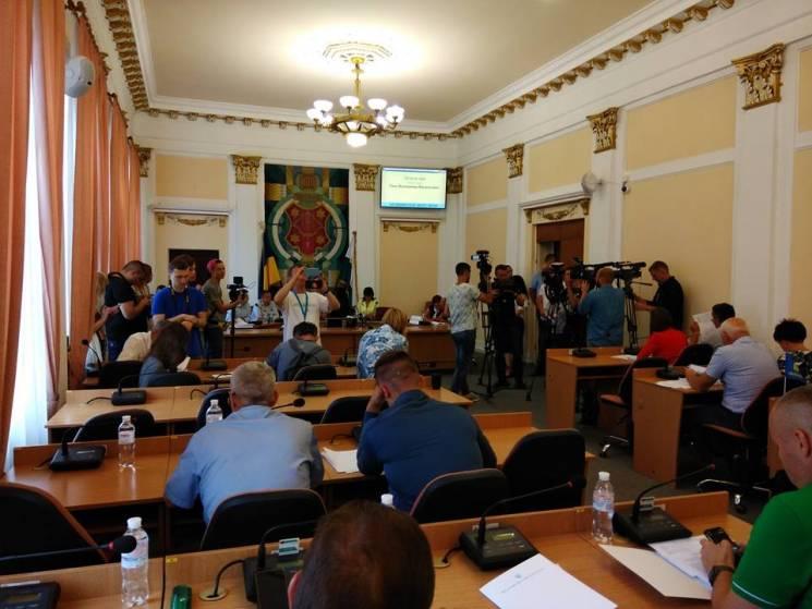 Перезавантаження міськради: Полтавські депутати обговорять звільнення заступників Мамая