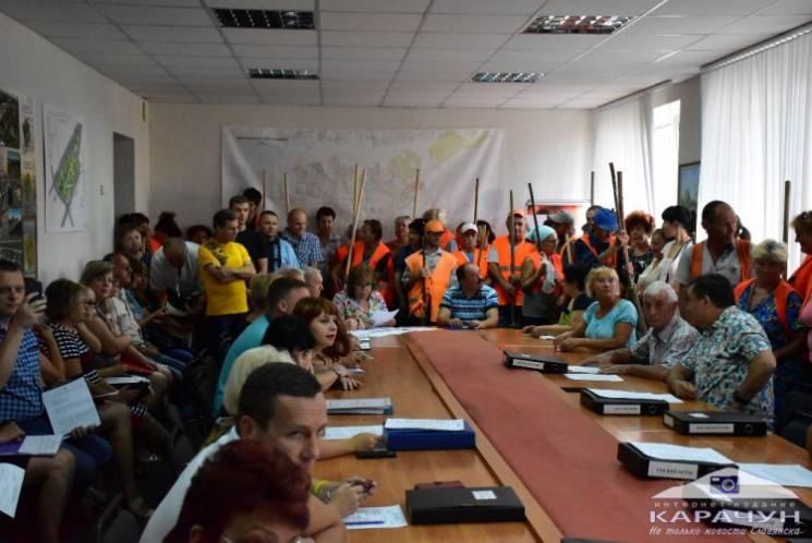 Чим жила Україна: Завзяті комунальники, дублер для ЗНО та потяг-забудько