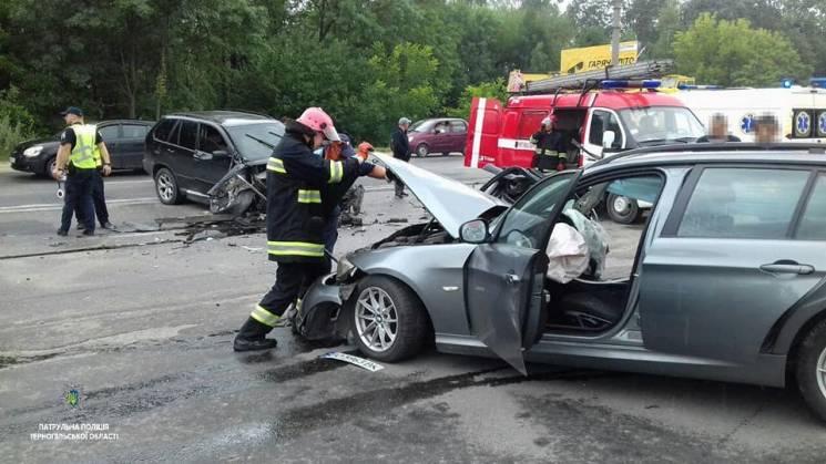 """У Тернополі не розминулися дві """"бехи"""", травмувалося троє людей (ФОТО)"""