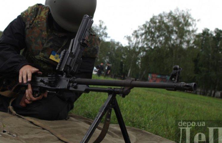 Нацгвардия просит Порошенко закрыть границы и ввести ЧП