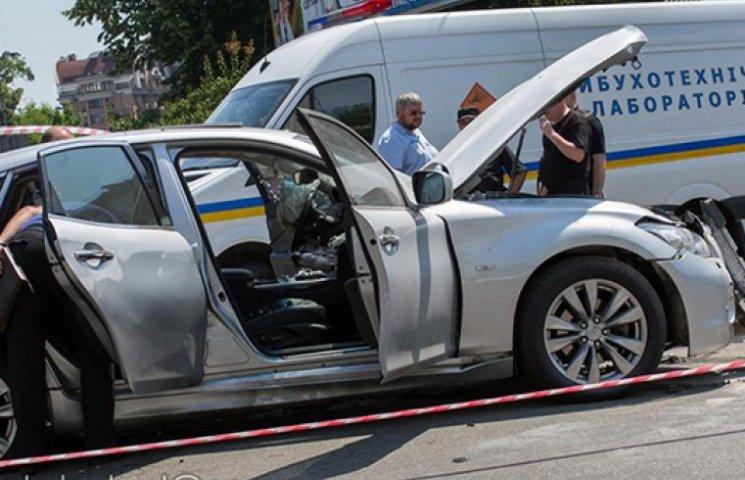 Водителю Infinity от взрыва авто оторвал…