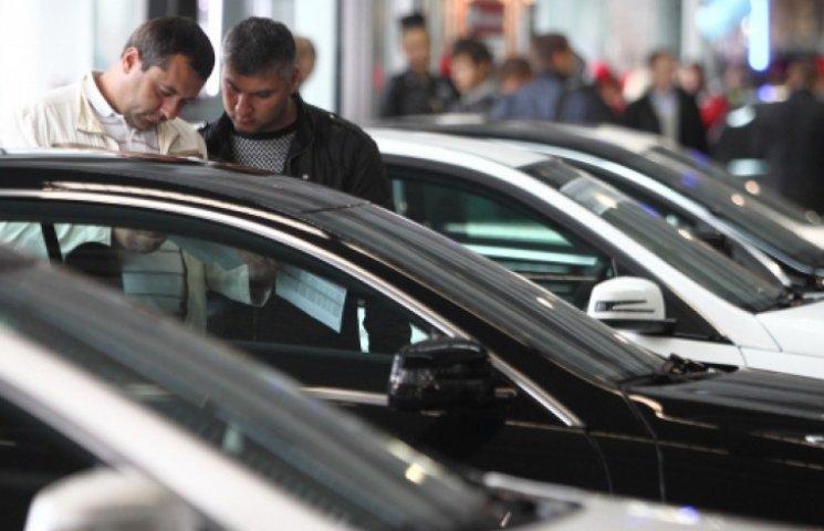 Кабмин объявил дату второго аукциона министерских авто