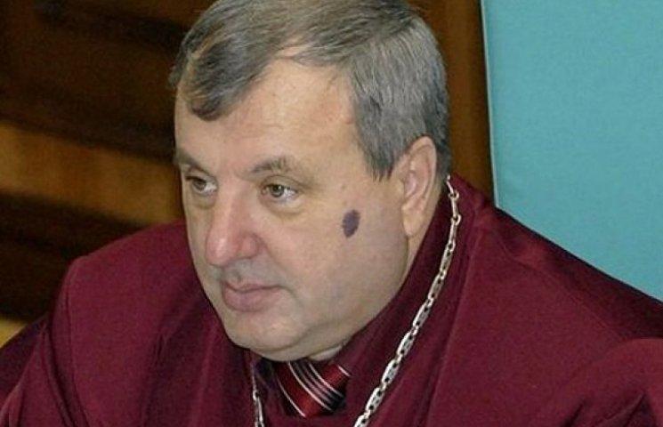 Любимый судья Януковича вернулся на «жирное» место