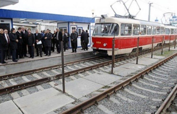 """Швидкісний трамвай на столичній Троєщині """"не хоче"""" перевозити киян"""