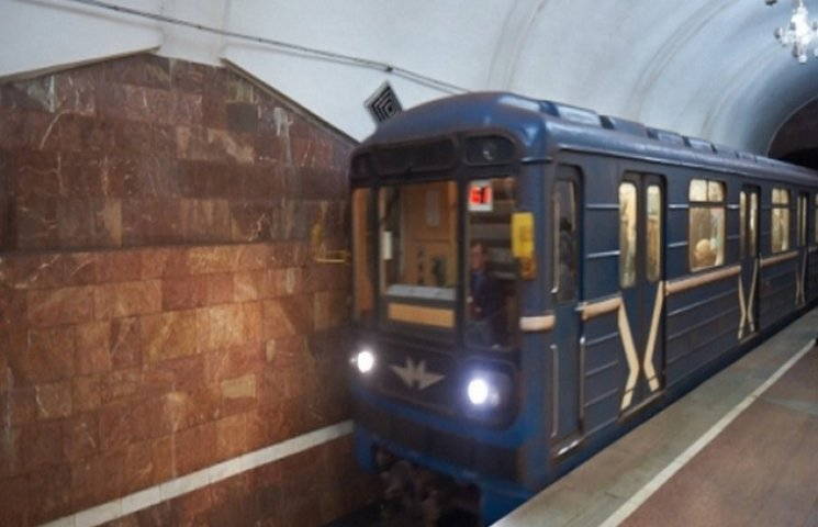 Харківським пенсіонерам зберегли безкоштовний проїзд у метро