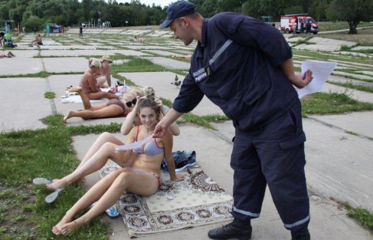 На трьох офіційних пляжах Вінниці чергують рятувальники