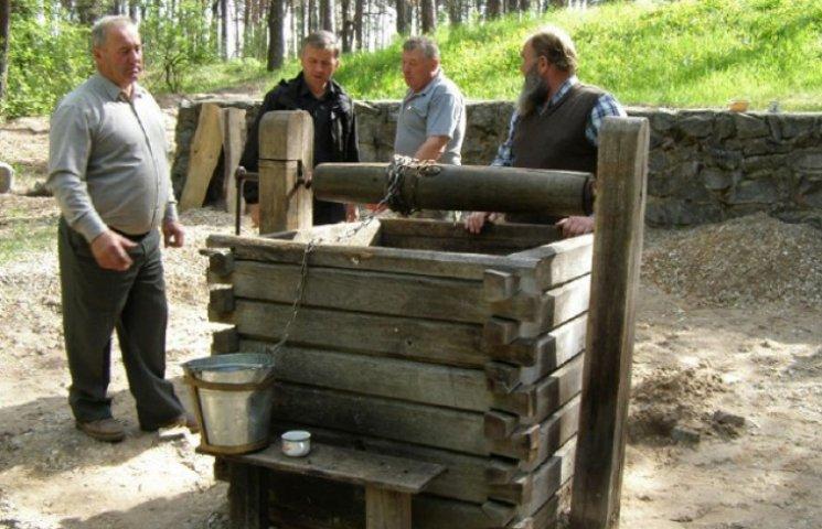 На Сумщині відновлюють чудодійну криницю (ФОТОФАКТ)