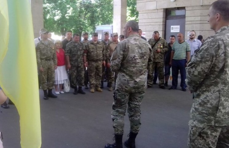 Герої Дебальцівського котла отримали посвідчення учасників бойових дій (ФОТО)