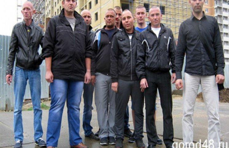 У Росії 18 біженців з Донбасу погрожують спалити себе, якщо їм не виплатять зарплату (ФОТО)