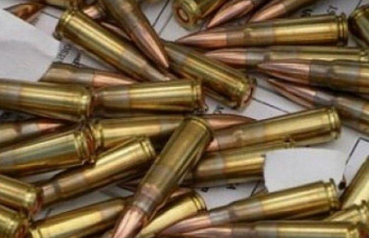 Рушницю, кастет та наркотики знайшли у 18-річного вінничанина