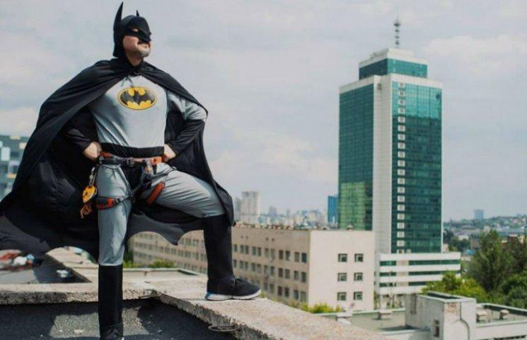 До дітей в Охматдит завітали супергерої (ФОТО)