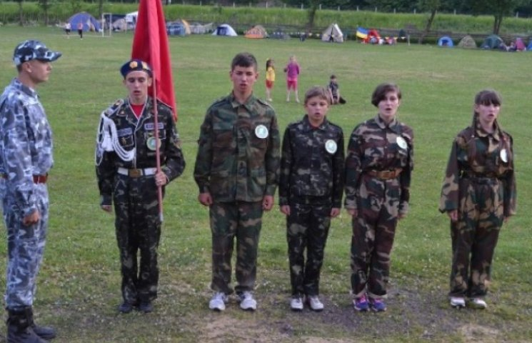 """На Закарпатті пройшли військово-патріотичні змагання """"Джура"""" (ФОТО)"""