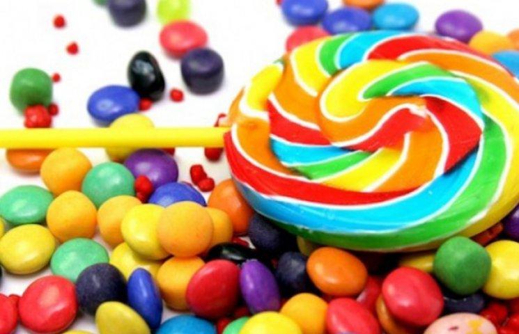 На Сумщині неповнолітню можуть засудити до трьох років за крадіжку цукерок