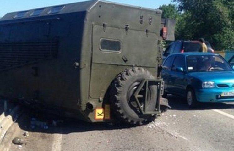 В області військова вантажівка ледь не вилетіла з мосту (ФОТОФАКТ)