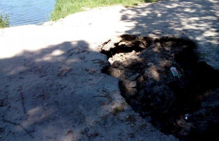 """Доріжка біля озера Чеха запрошує сумчан у """"глибоку подорож"""" (ФОТОФАКТ)"""
