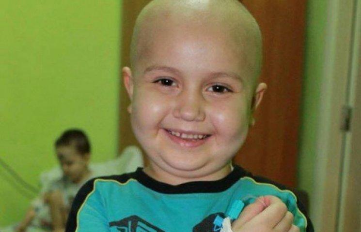 Волонтери зібрали 75 000 євро на лікування Дениска із Вінниці
