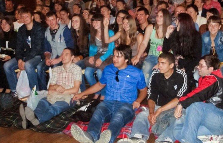 Вінничани дивилися кіно дві ночі безкоштовно