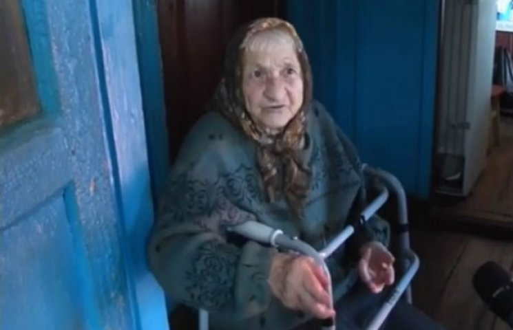На Сумщині бабуся ледь не повісилася через платіжку за газ (ВІДЕО)