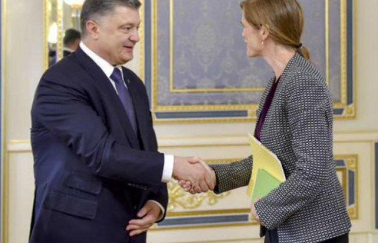 Порошенко зустрівся з Пауер: говорили про війну, Мінські угоди і членство України в Радбезі ООН
