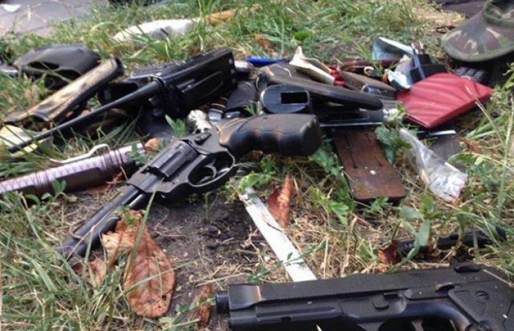 На Сумщині спіймали міліціонера, який вивозив зброю з зони АТО