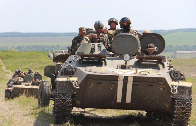 """""""Порох має бути сухим"""": Як артилеристи АТО готуються дати відсіч ворогові (ФОТО)"""