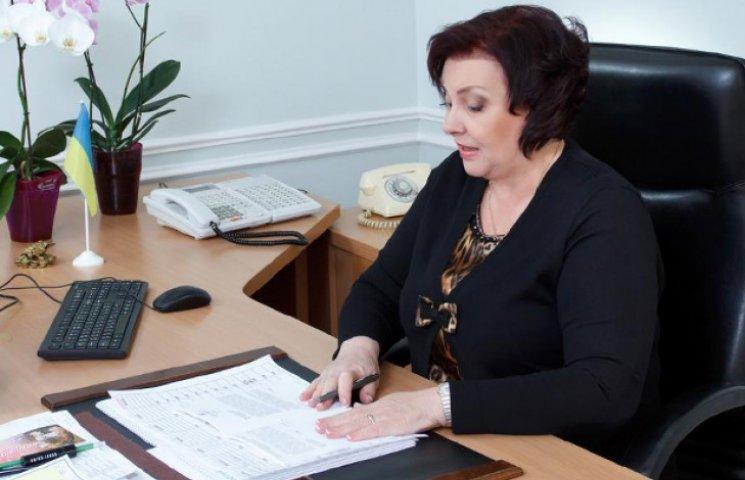 Обласна рада уклала контракти з трьома керівниками комунальних установ