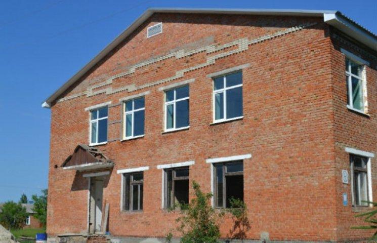 На Сумщині триває ремонт військового містечка (ФОТОФАКТ)